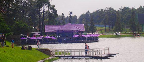 Cái se lạnh của mùa mưa Đà Lạt lãng mạn hơn với cặp đôi đang yêu nhau. Ảnh:Thichkhampha.net