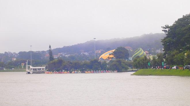 Cảm giác buồn man mác khi nói về mưa Đà Lạt. Ảnh: Thichkhampha.net