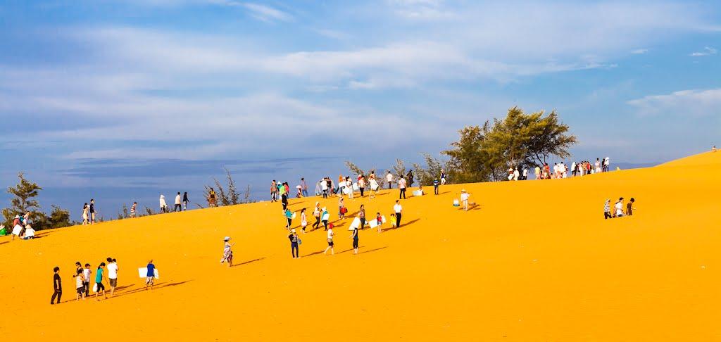 Đồi Cát bay - điểm trượt cát thú vị